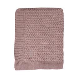 Mies & Co baby lifestyle Soft knitted blanket toddler bed pale pink deken gebreid roze ledikant
